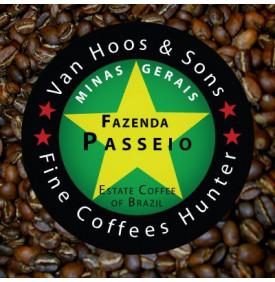 BSCA Fazenda Passeio 100% Catuai Pulped Natural - Brésil Van Hoos & Sons® 2 7.6 La Fazenda Passeio est située dans une zone priv